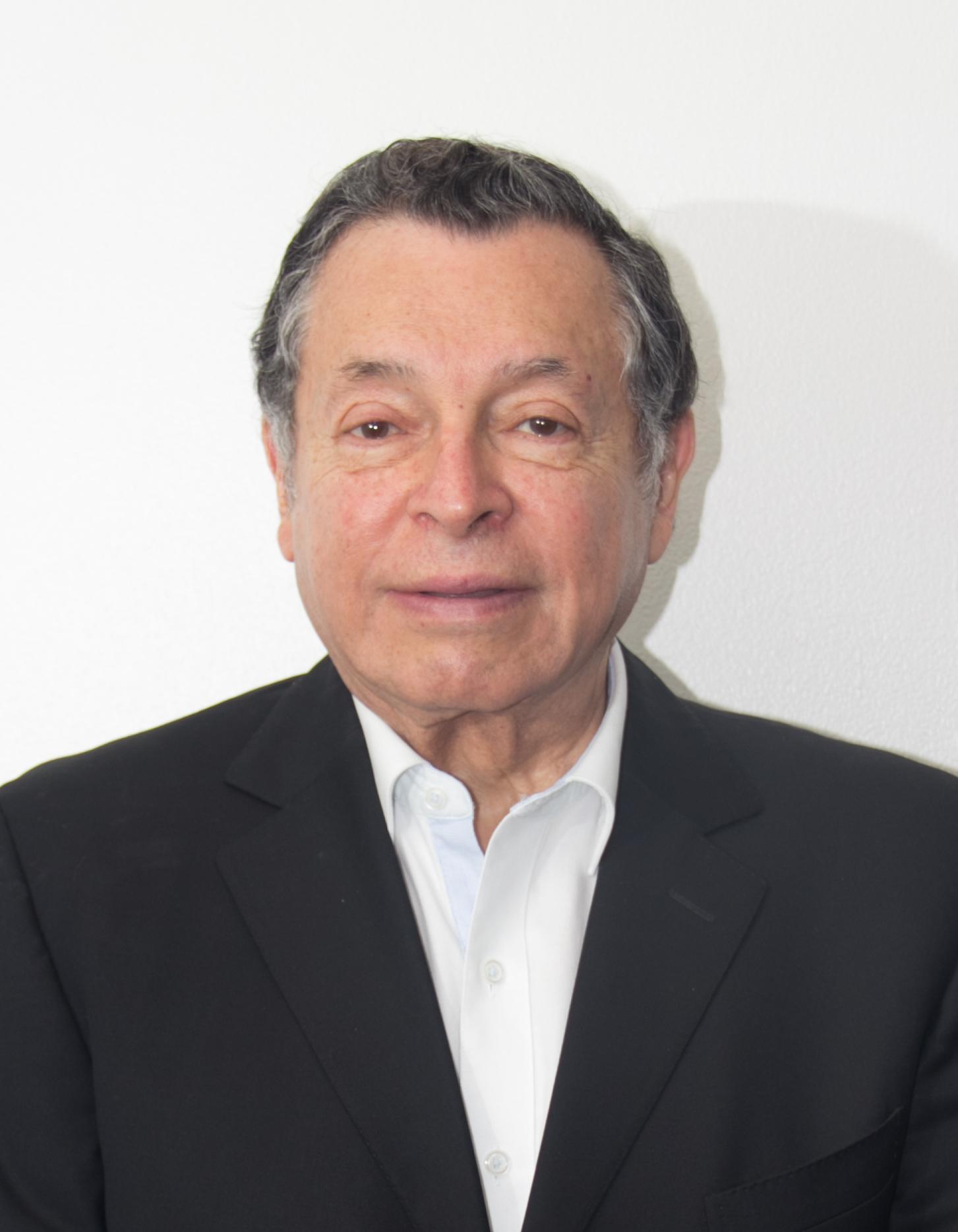 Dr. Enrique  Hernández Pérez